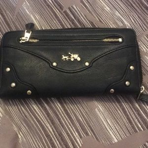 Beautiful Coach zip around wallet